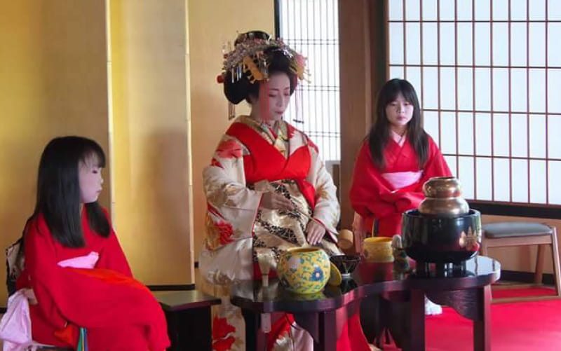 Japanese Maiko and Tea Party
