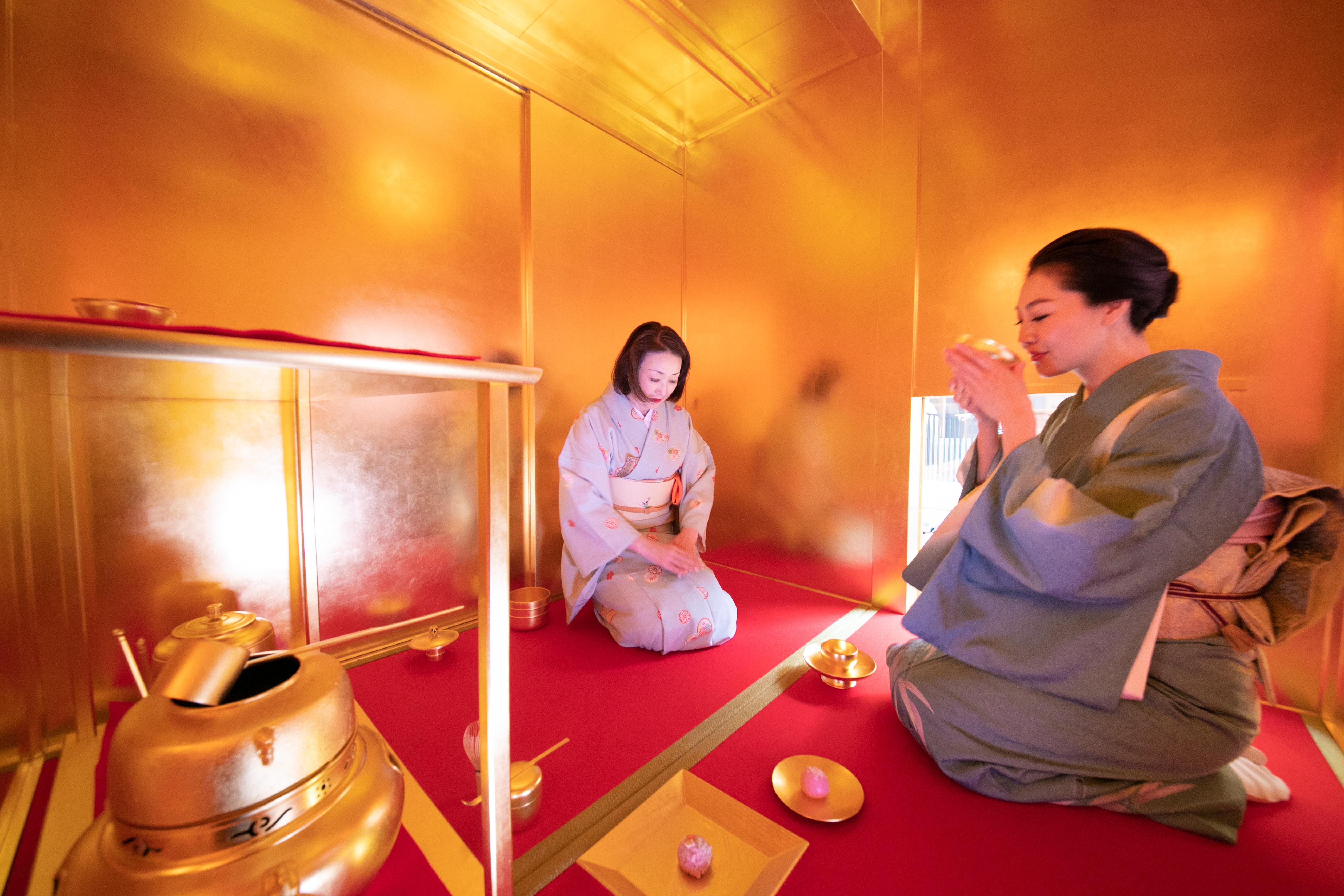 金箔の茶室